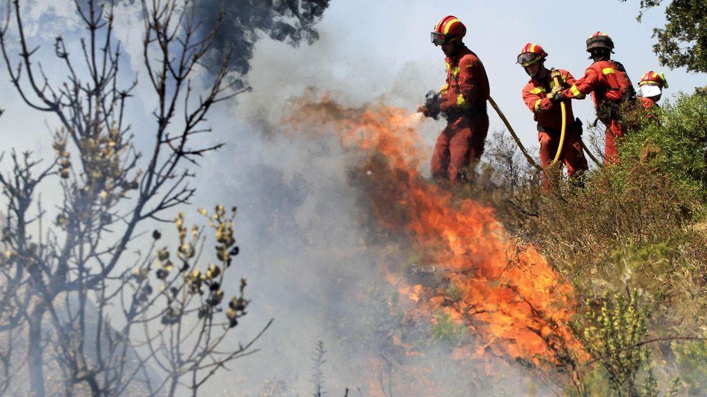 Miembros del UME en un incendio en Girona en julio de 2012. Foto: Reuters