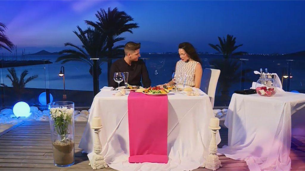 Samira y Jonathan, ¿una cena de despedida en plena luna de miel?