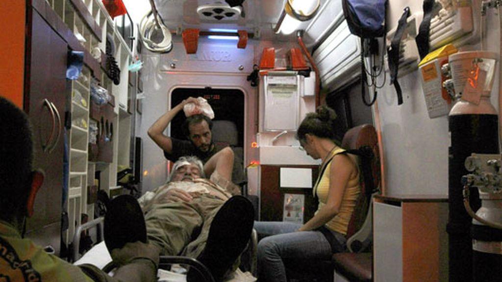 El Samur atiende a uno de los heridos