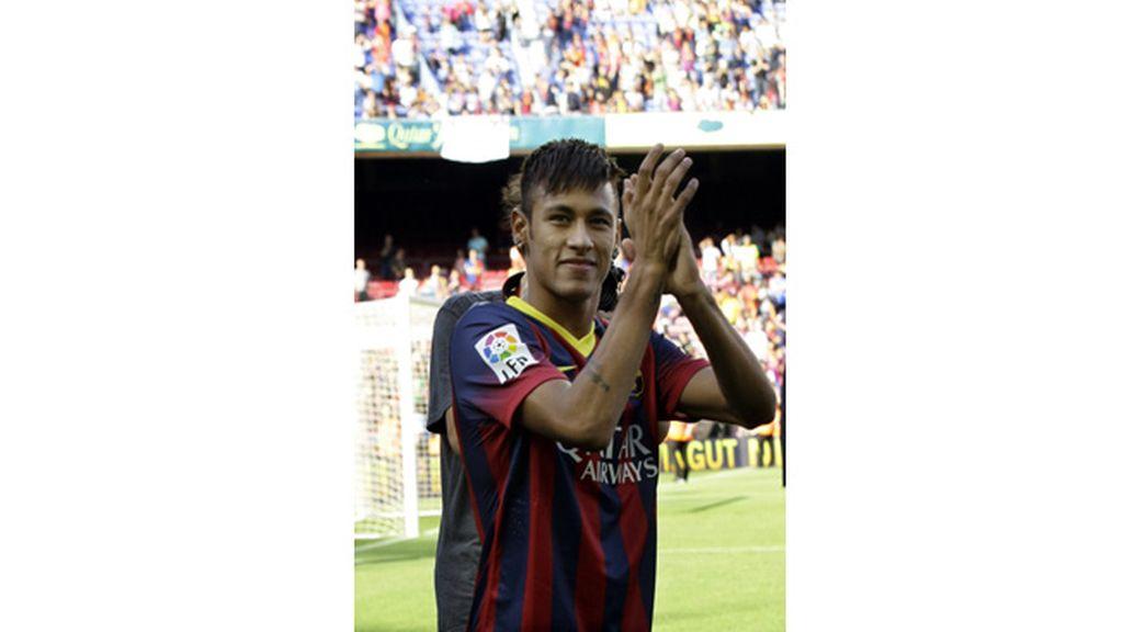 Neymar, presentado oficialmente en el Camp Nou