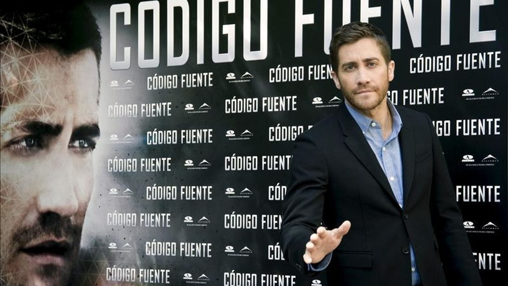 """El actor Jake Gyllenhaal, candidato al Oscar en 2005 por su papel en """"Brokeback Mountain"""", durante la presentación hoy, en Madrid, de su nueva película """"Código fuente"""", un thriller romántico que dirige el cineasta Duncan Jones, hijo del cantante David Bowie y ganador del Premio Bafta por su ópera prima """"Moon"""". EFE"""