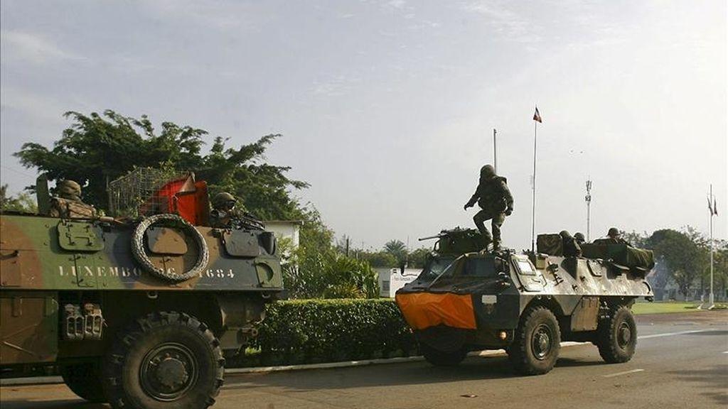 Para facilitar la vuelta de la calma y el orden, Ouattara pidió a las fuerzas de seguridad nacionales, a las de la Onuci y a las de la operación francesa Licorne que velen por la seguridad de los habitantes y de los bienes, tanto en Abiyán como en el resto de Costa de Marfil. EFE