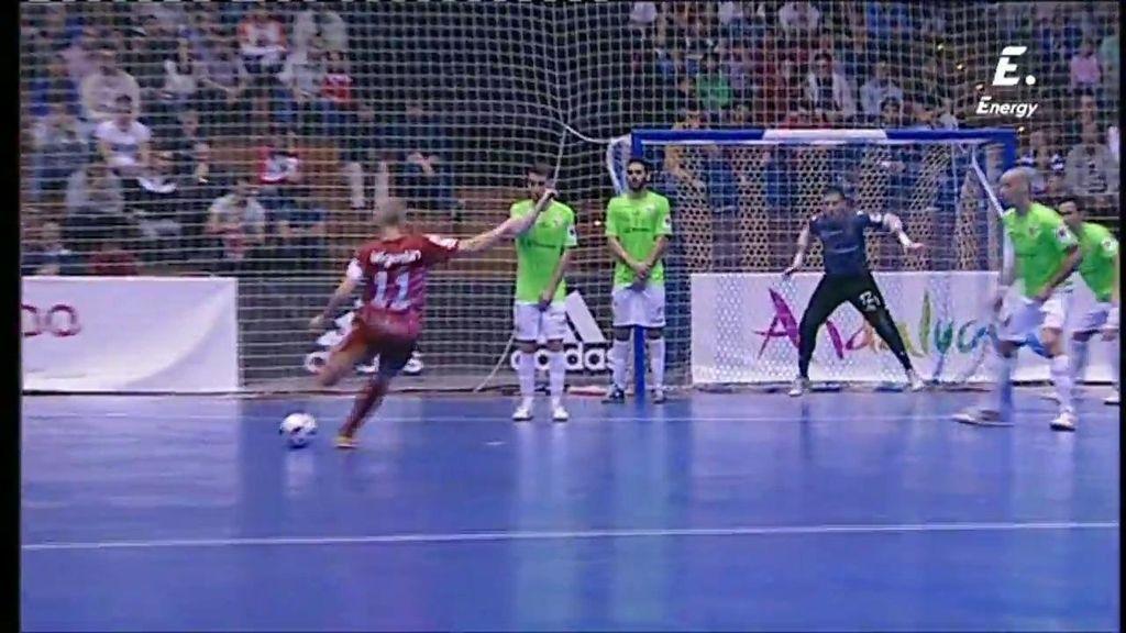 El palo evita el segundo gol de ElPozo