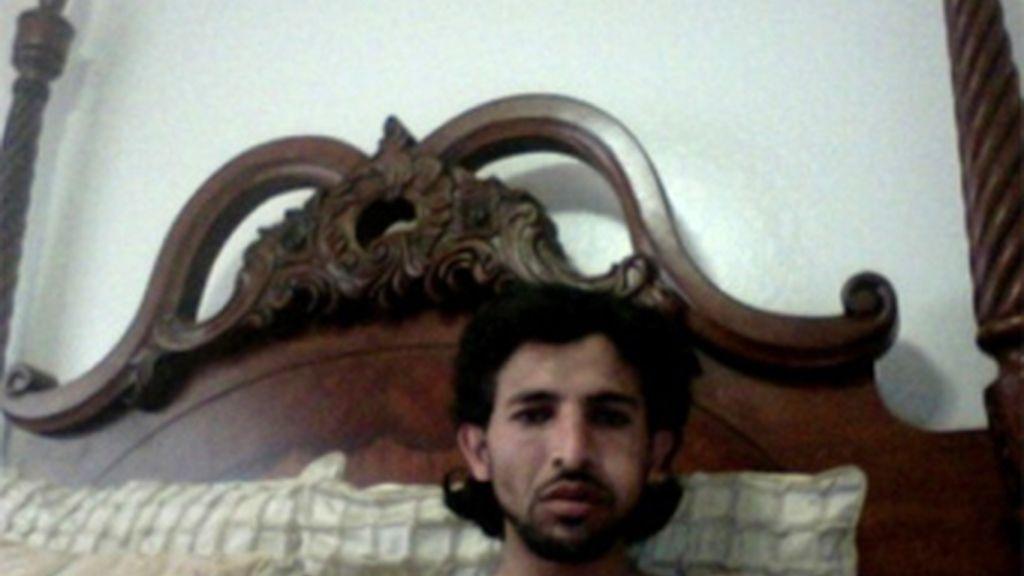 Una de las fotos del ladrón capturada gracias al programa espía que tenía instalado el MacBook y que permitió rastrearlo y finalmente arrestarlo.