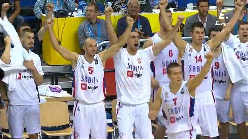 ¡Bjelica decide con una bomba a lo Navarro y da la victoria a Serbia ante Alemania!