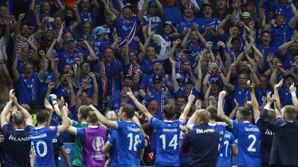 Islandia da la sorpresa y se clasifica para cuartos con una victoria ante Inglaterra (1-2)