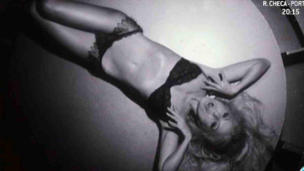 A sus 46 años, la cantante luce espectacular en su último videoclip