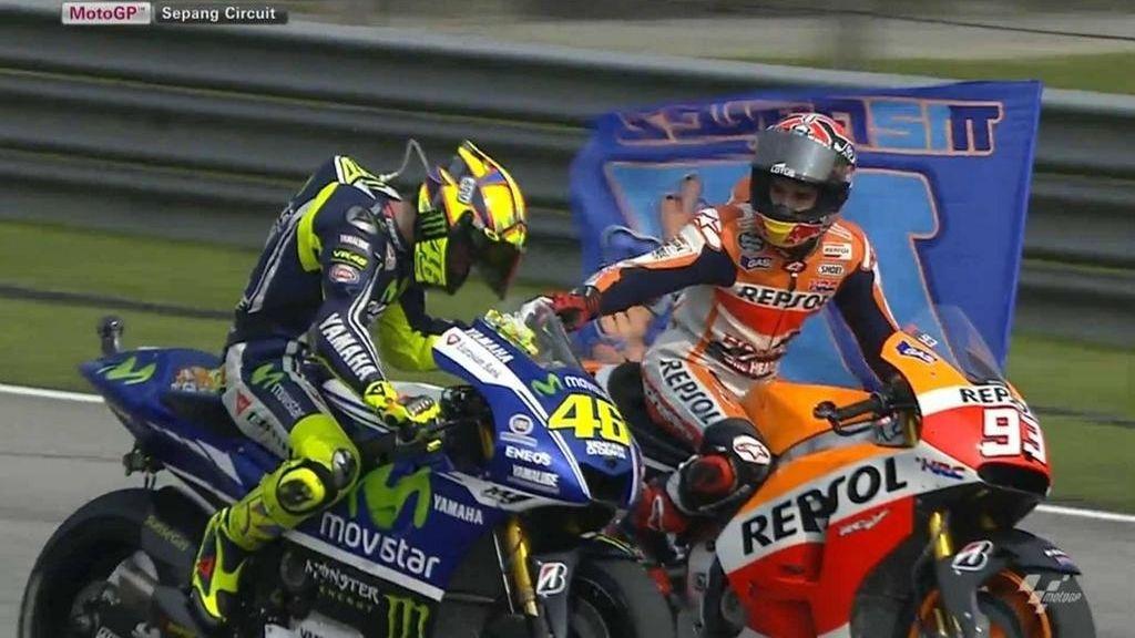 Valentino Rossi homenajea a Márquez tras su histórica victoria en Malasia