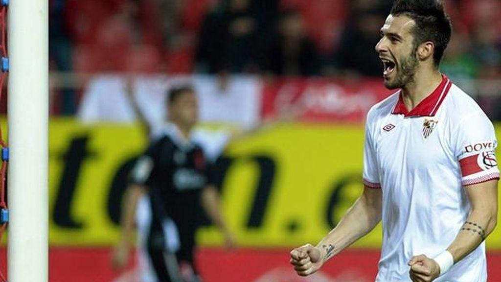 Negredo celebra su gol ante el Granada