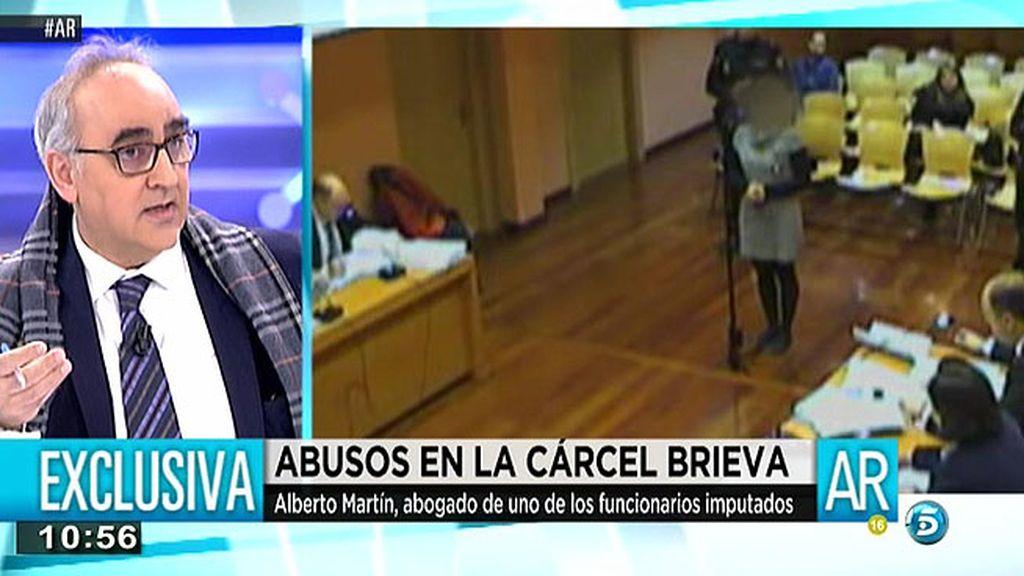 """Alberto Martín, abogado de un funcionario acusado de abusos sexuales: """"Es todo un montaje"""""""