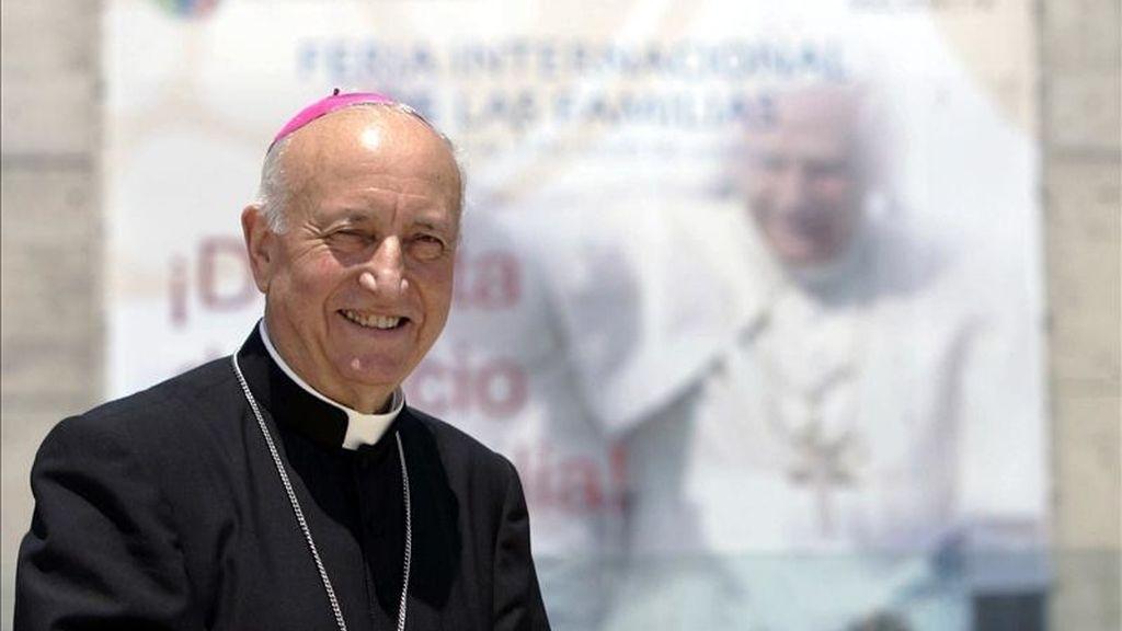 Fotografía de archivo, del 5 de julio de 2006, del cardenal español Agustín García Gasco, arzobispo jubilado de Valencia, que falleció ayer por un infarto en Roma, donde se encontraba para asistir a la beatificación del papa Juan Pablo II. EFE
