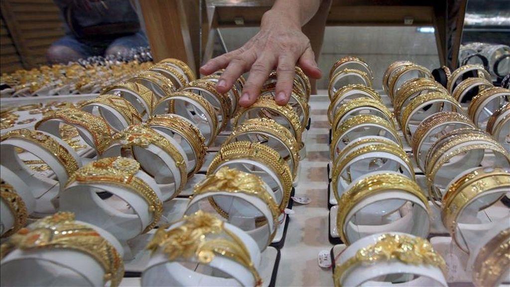 Artículos de oro en una joyería. EFE/Archivo