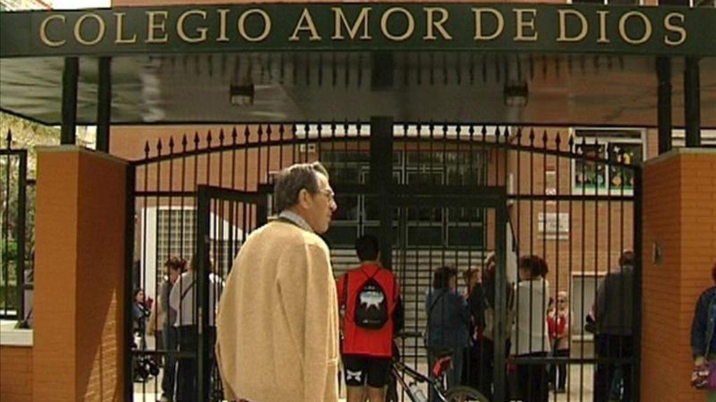 Exterior del colegio Amor de Dios, situado en la localidad madrileña de Alcorcón. EFE