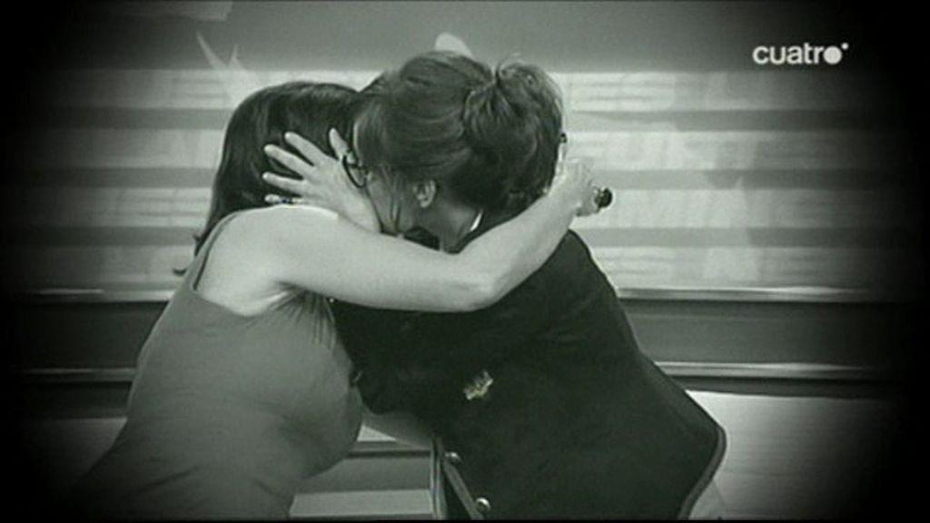 Besos y risas en el estreno de 'LNDL2'
