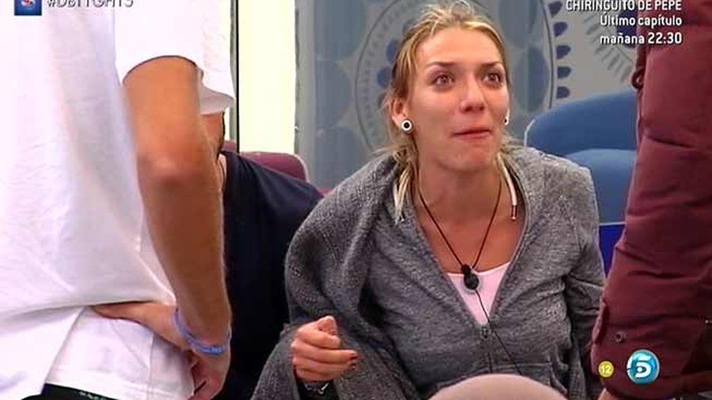 """Omar se enfada con Paula por gritar a Lucía: """"Ten más educación"""" (Empieza el cambio)"""