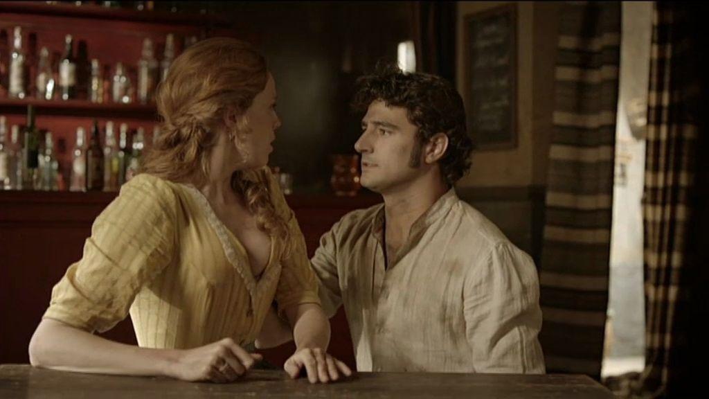 Elena está enamorada de él desde hace tiempo
