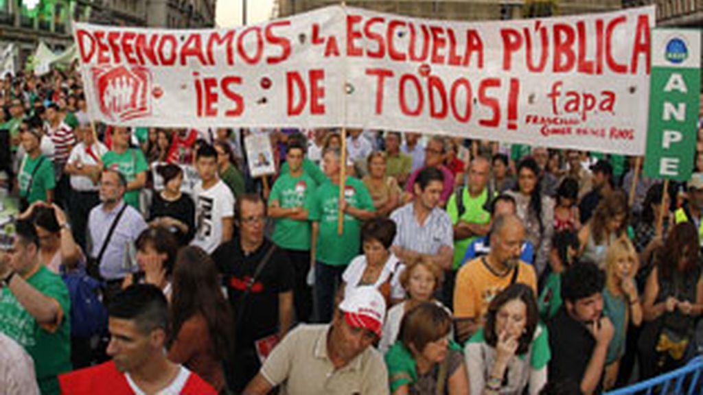 Encerrados contra los recortes. Foto: EFE.