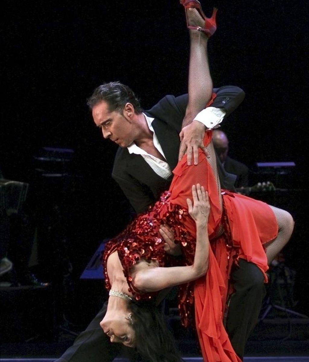 En la imagen, un espectáculo de tango. EFE/Archivo