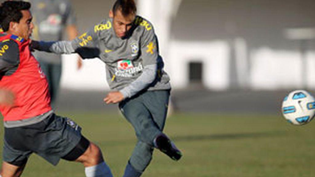 Neymar durante un entrenamiento con la selección de Brasil en la Copa América. Foto: EFE