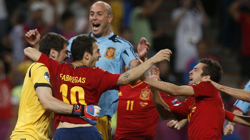 Las mejores fotos de los penaltis que nos meten en una nueva final