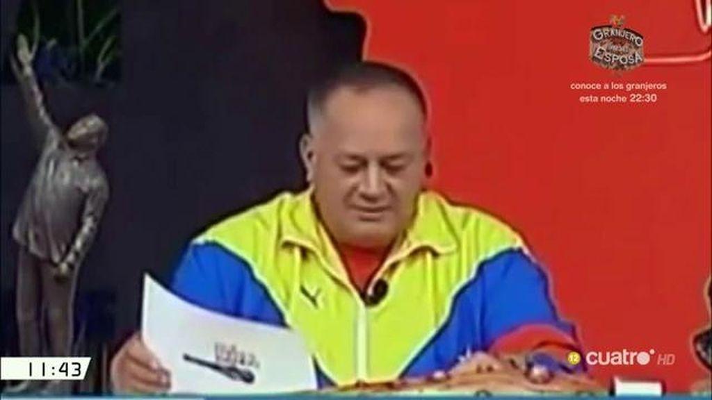 """Cabello muestra una foto de Rivera desnudo en la playa: """"Y viene aquí a hablar de moral"""""""
