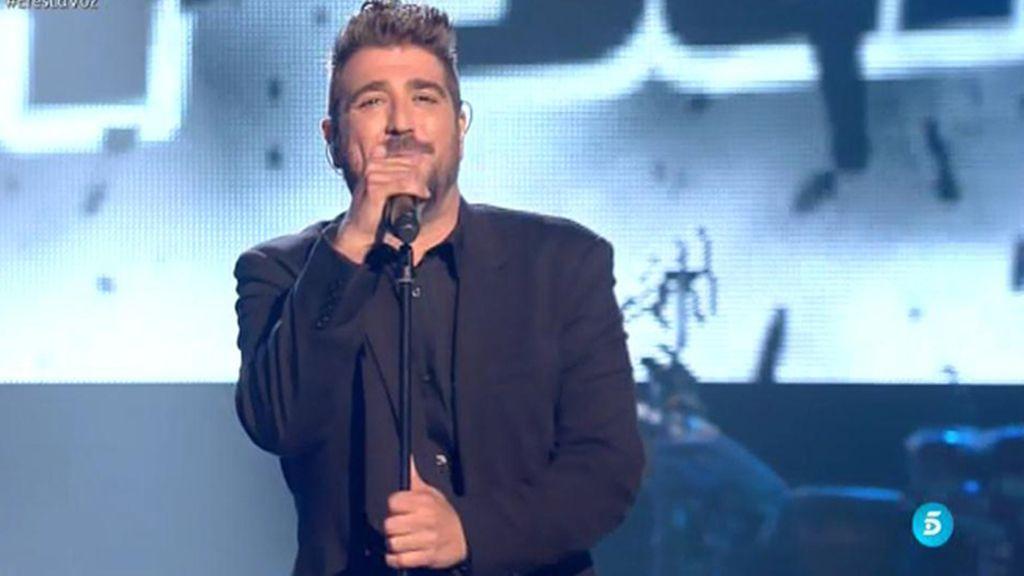 Antonio Orozco presenta en 'La Voz' su nuevo single: 'Hoy será'