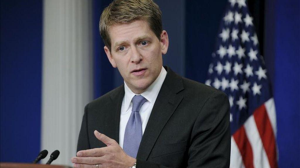 """El portavoz de la Casa Blanca, Jay Carney, afirmó en declaraciones a la prensa que """"seguimos comprometidos con el cierre de Guantánamo porque es algo que conviene a nuestros intereses de seguridad nacional"""". EFE/Archivo"""