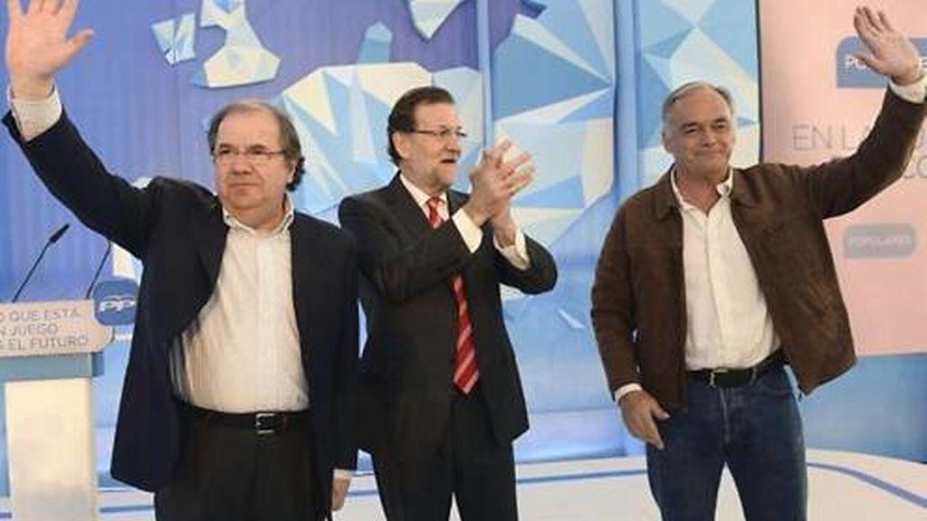 El PP gana en nueve comunidades pero sólo mantiene mayoría en Castilla y León