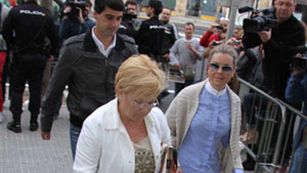El torero 'Jesulín de Ubrique', ha acompañado a su esposa María José Campanario. Vídeo: Informativos Telecinco.