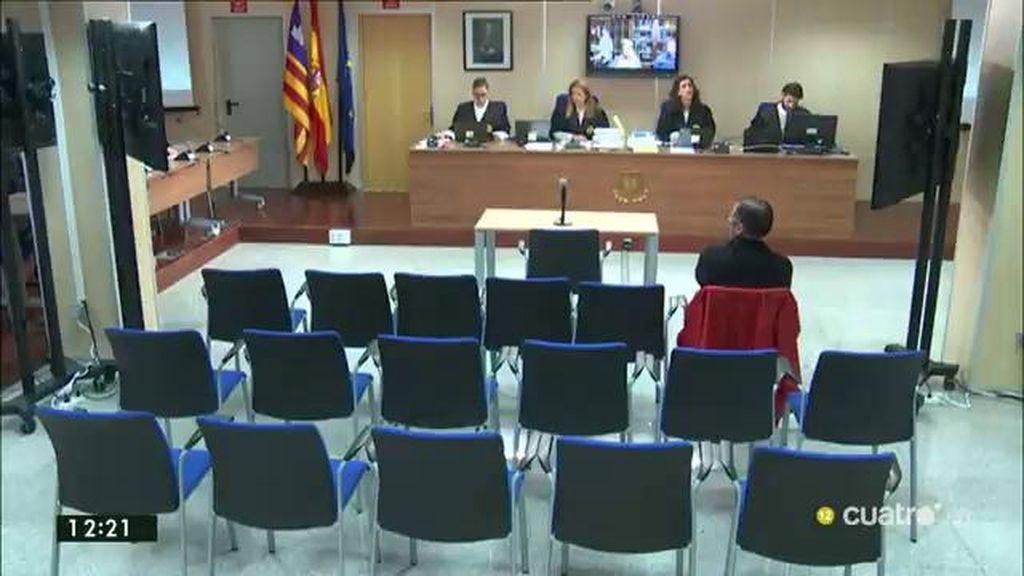 La defensa de Diego Torres pide expulsar a Manos Limpias del caso Nóos