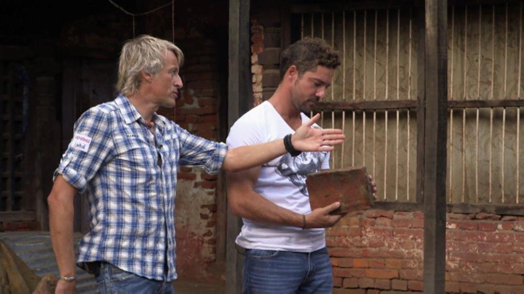 David Bisbal se sobrecoge comprobando el estado de Nepal tras los terremotos