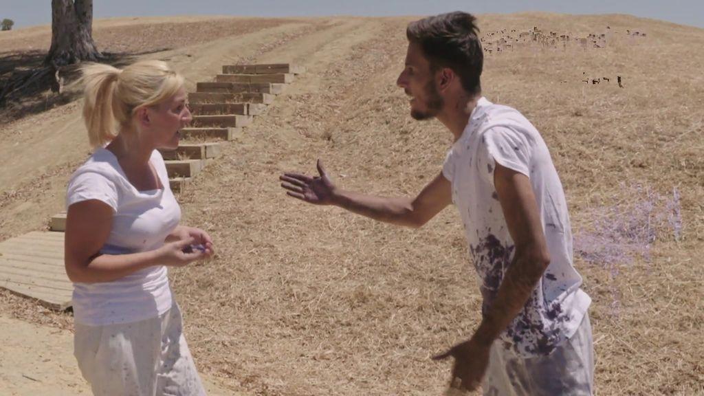 Manoli y Salva protagonizan una guerra de globos llenos de rencor