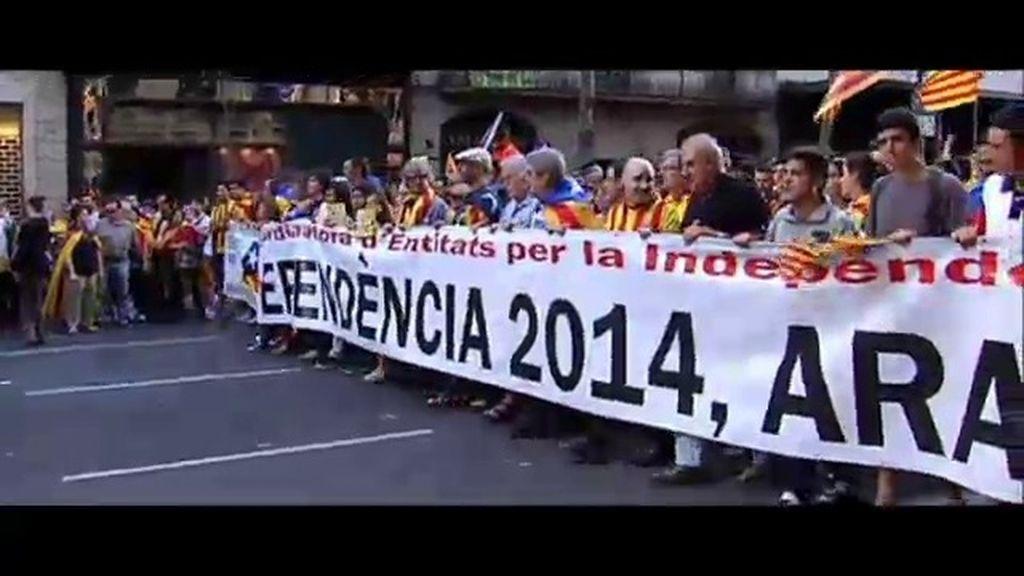 """Cifuentes: """"Cataluña es un gran país dentro de España, que es una gran nación"""""""