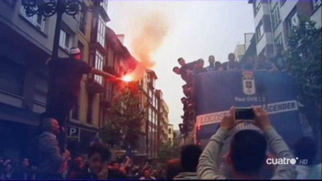 Música, risas y mucha sidra: así celebró Oviedo su ascenso a Segunda División