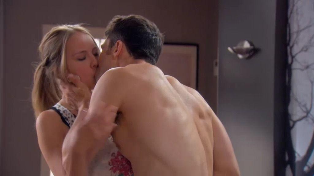 ¡Raúl y Ana se besan!