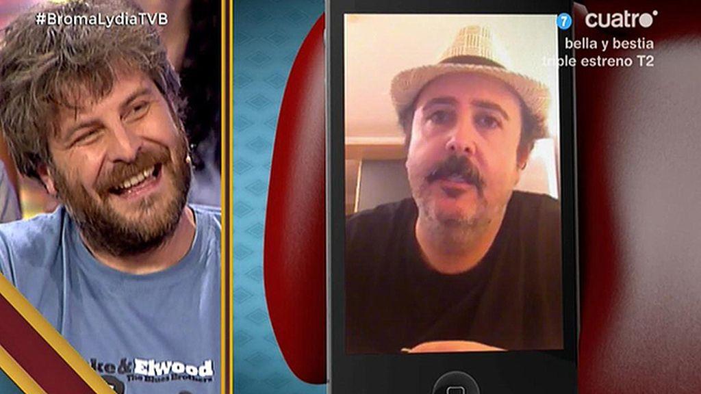 ¿Cuál es la mayor pasión de Raúl Cimas?: chuparse los dedos comiendo patatas