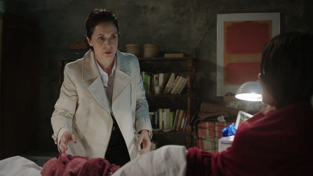 Belén se niega a que su madre le ayude en el parto aunque eso le cueste la vida
