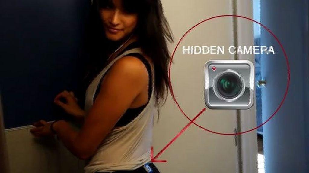 Pone una cámara en su trasero para ver cuántos se lo miran