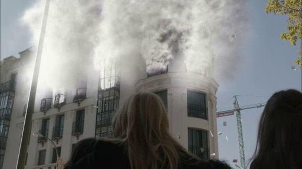 ¡Un incendio provoca una explosión en la redacción de 'B&b'!