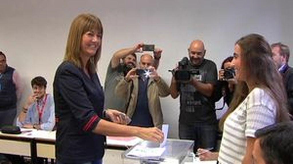 """Idoia Mendia vota en Bilbao pensando en """"la agenda social"""""""