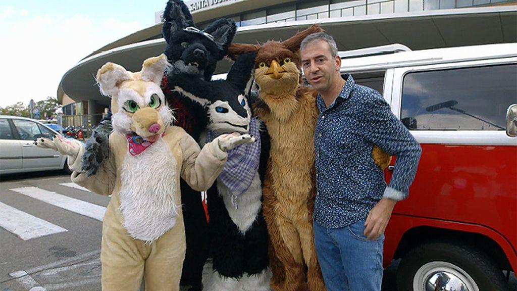 Nacho Medina se reúne en 'Soy Noticia' con una pandilla de Furries