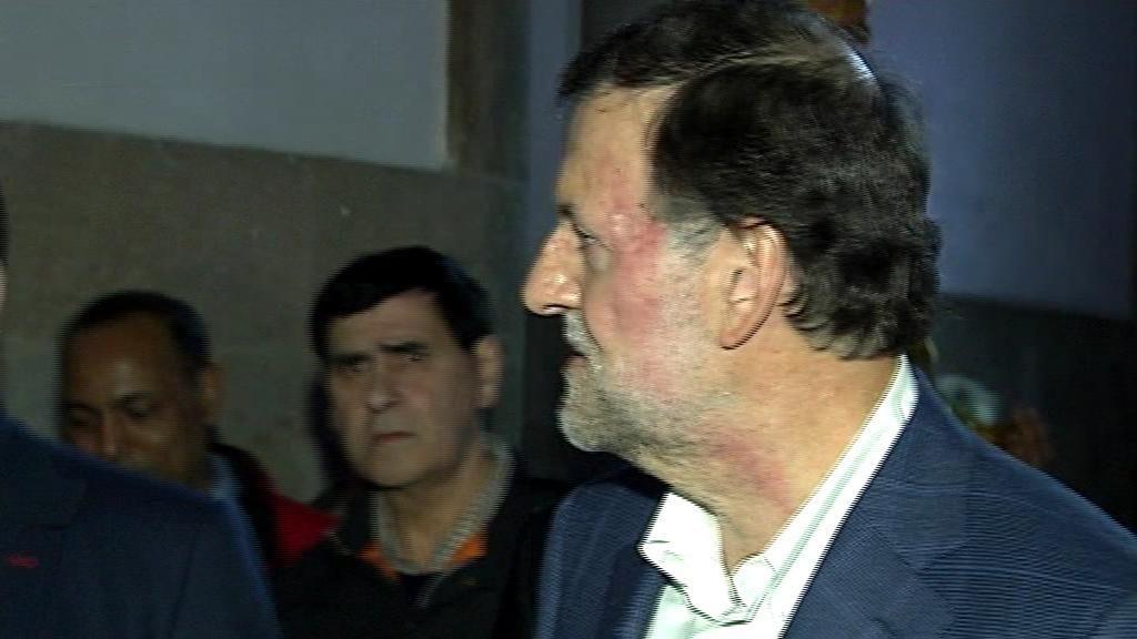 Así reducen al agresor de Mariano Rajoy tras el puñetazo