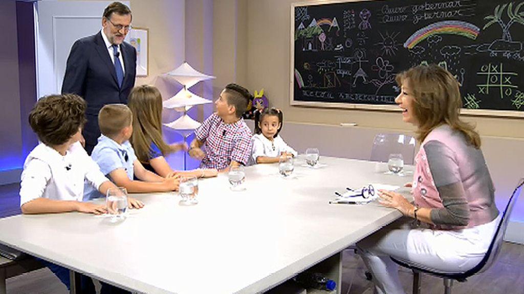 El susto de Pablo ante la entrada por sorpresa de Mariano Rajoy