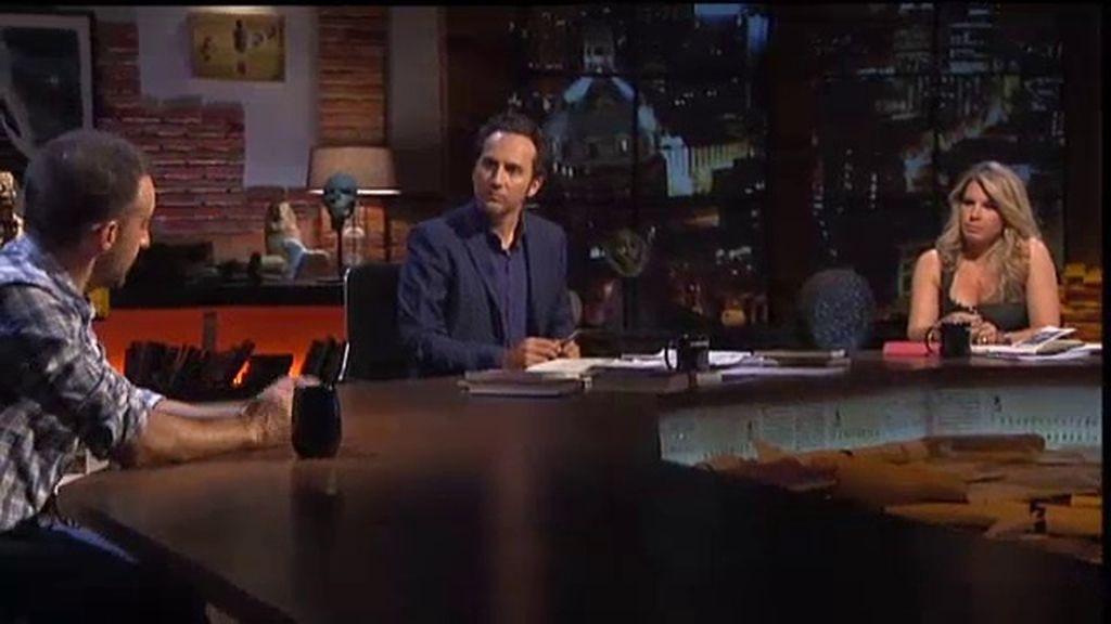 Iker Jiménez y Carmen Porter comentan con Alejandro Amenábar casos de ritos satánicos