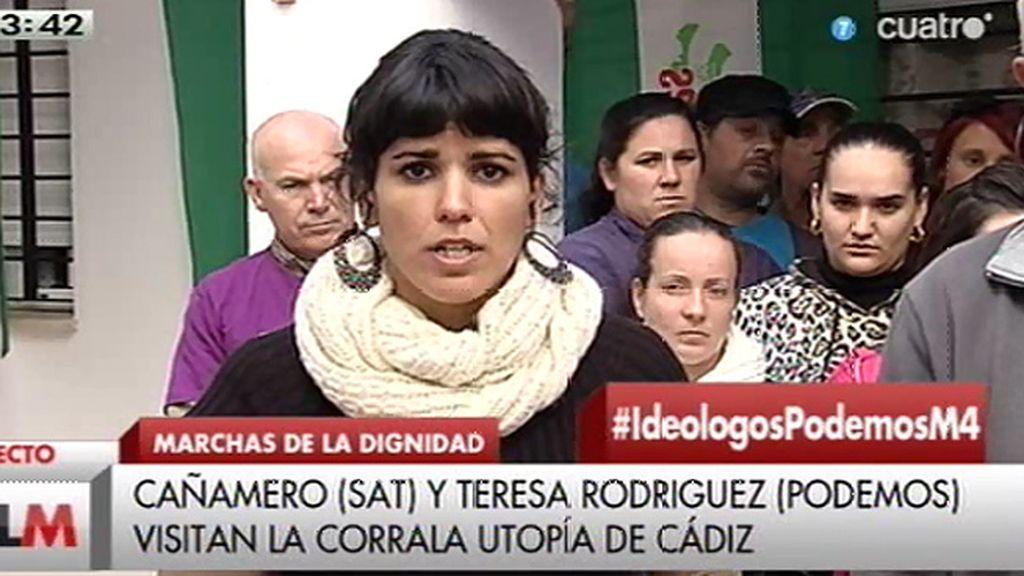 Teresa Rodríguez visita la 'Corrala de la Dignidad' de Cádiz