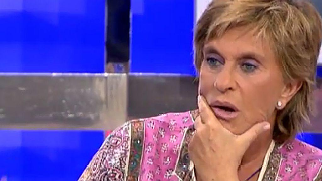 """Chelo Gª Cortés: """"Hay un posado de Isabel y es posible que Christopher esté a su lado"""""""