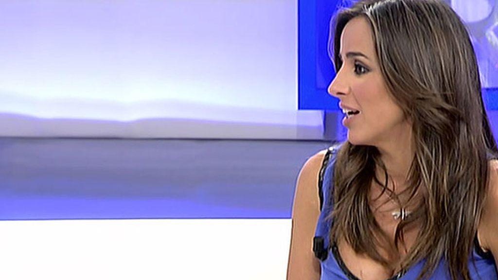 Carmen Alcayde presenta su primera novela, 'Nubes de Algodón'