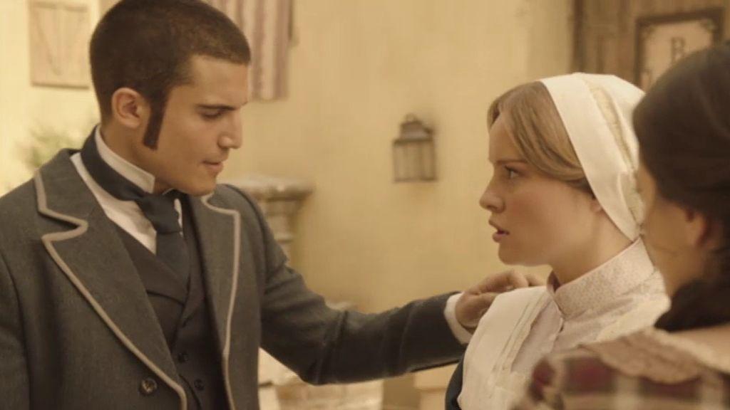 Don Joaquín descubre a su hermana cuando trata de escapar