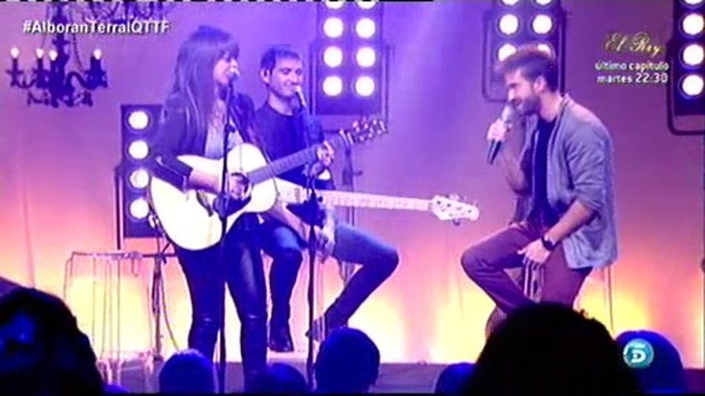 ¡Pablo Alborán canta junto a Vanessa Martín!