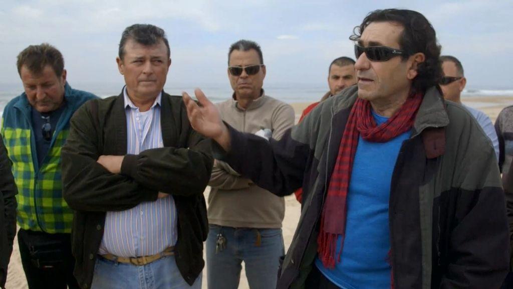 Los coquineros denuncian un saqueo en la costa andaluza
